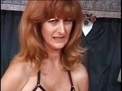 Mature w big tits has her..